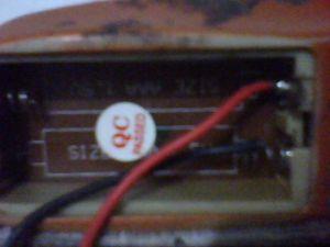 Menyolder terminal temapt baterai remote tv.